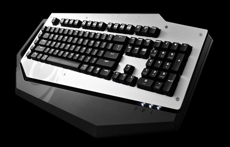 CM_Storm_MECH_keyboard_1