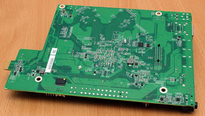 AsustorAS302T_PCB_Back