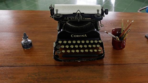 39104_03_germany_considers_using_typewriters_to_stop_the_us_from_spying_on_them