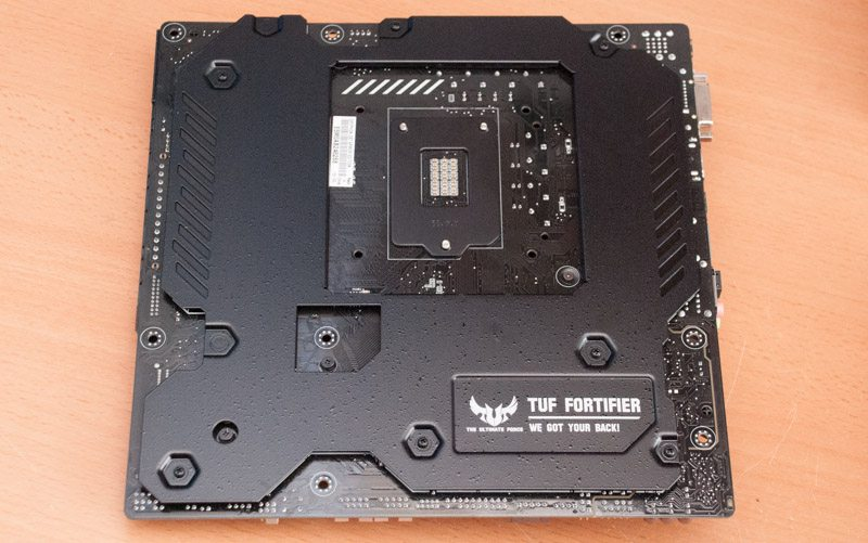 ASUS_Z97_GRYPHON_ARMOR (13)