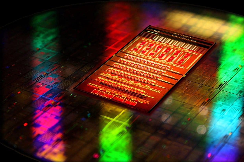 IBM-nanophotonics