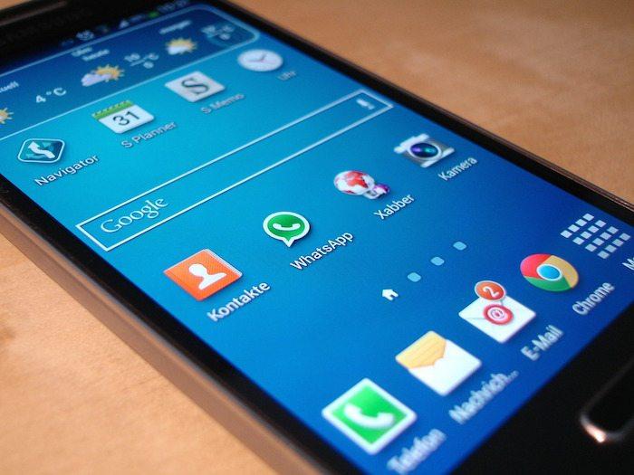 smartphone-325484_1280