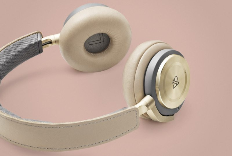 BeoPlay H8