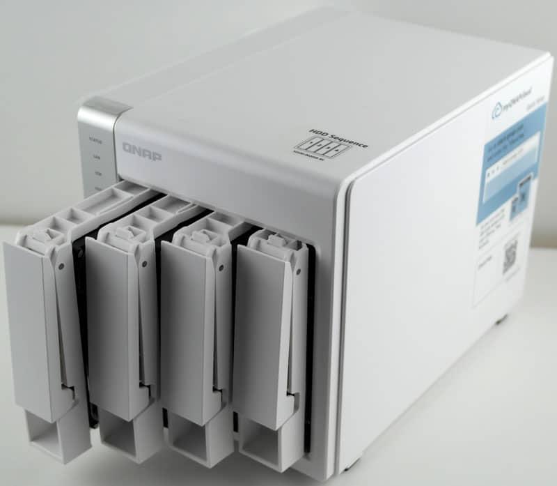 QNAP_TS431-Photo-front-angle-drives-out