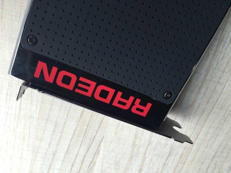 AMD-Radeon-R9-Fury-X-review-sample-5
