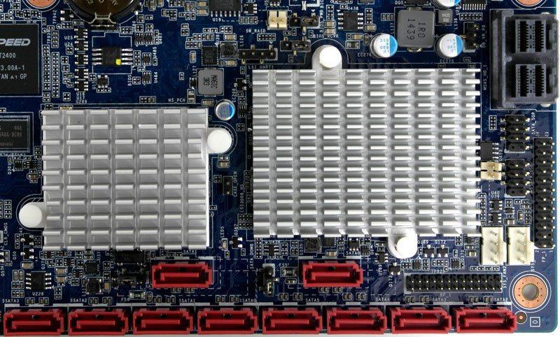 Gigabye_MW70-3S0-Photo-closeup-storage