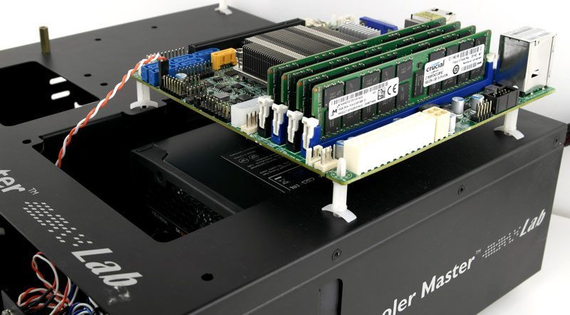 Supermicro_X10SDV-F-Photobench-one
