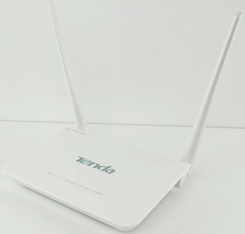 Tenda_D301_ADSL2pModemRouter-Photo-angle-shot