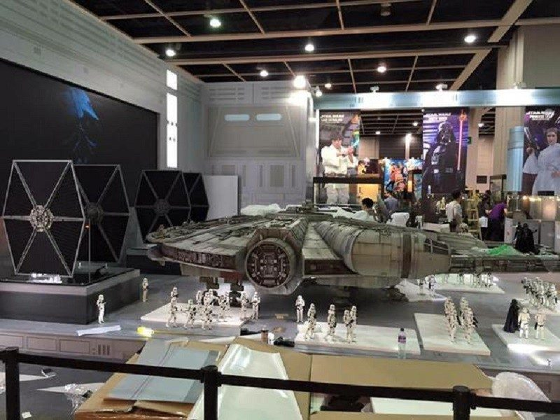 Toys-Millennium-Falcon-Full-Preview-6
