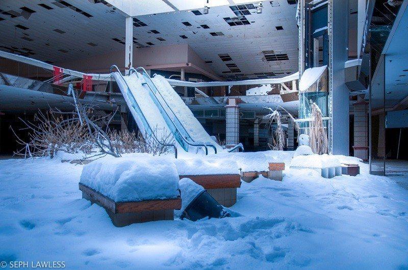 snow mall