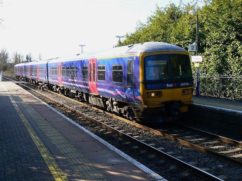train-_1744999