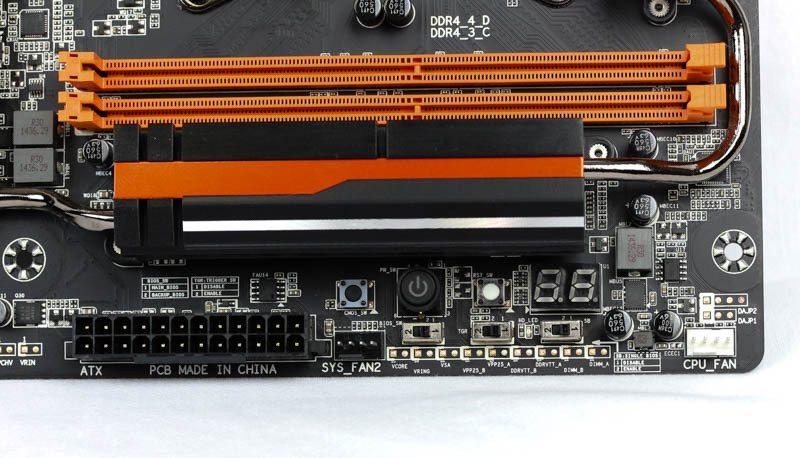 Gigabyte X99 SOC Champion-8