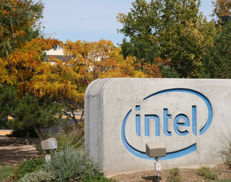 Intel Planning Extensive Staff Layoffs