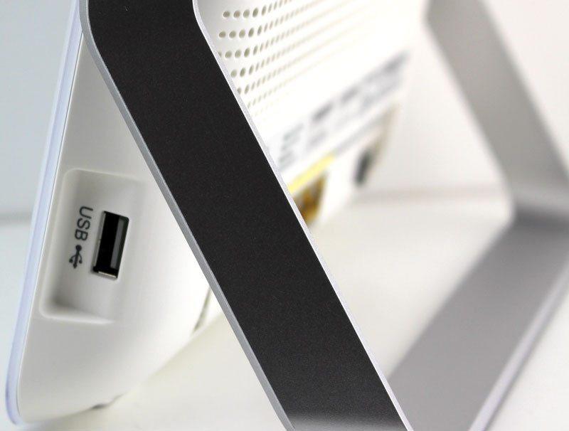 TP-Link_VR900-Photo-details-usb2