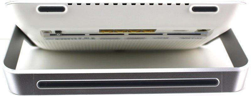 TP-Link_VR900-Photo-view-bottom