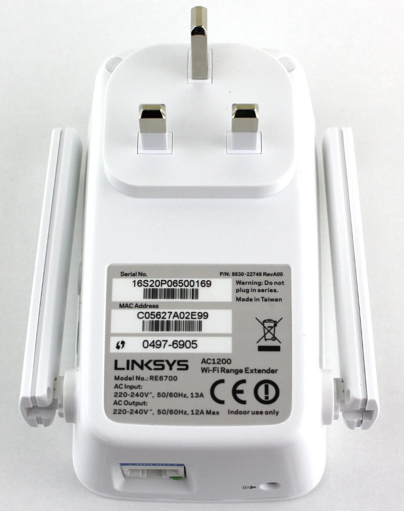 Linksys_RE6700-Photo-rear