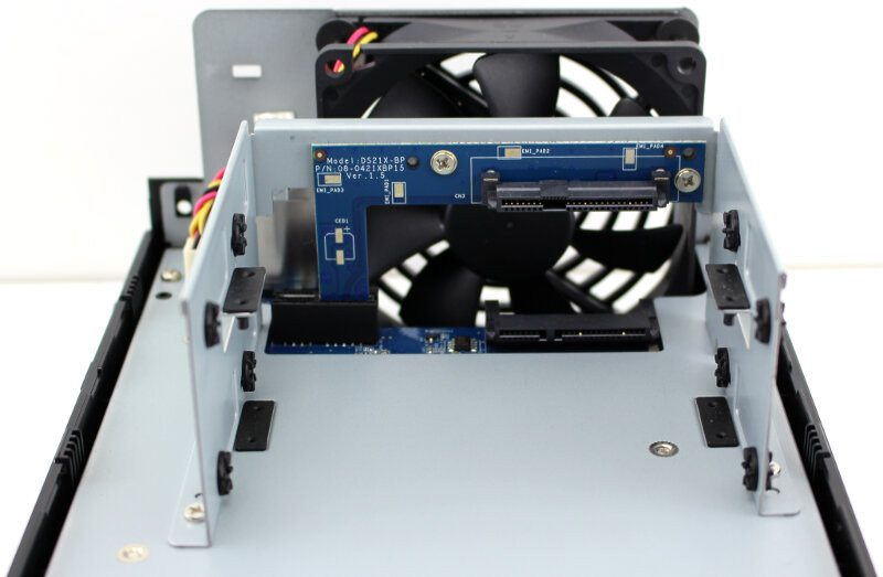 Synology_DS216play-Photo-inside
