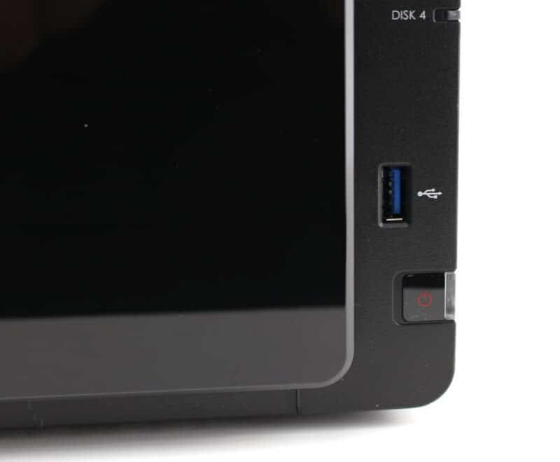 Synology_DS416-Photo-front usb
