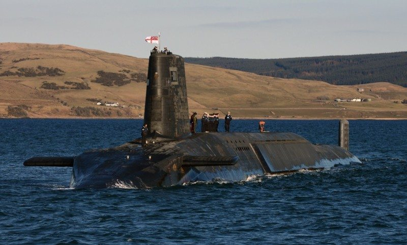 Trident_Nuclear_Submarine_HMS_Victorious