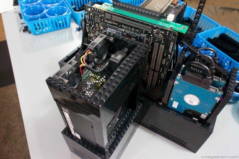 Lego_Gaming_Computer2