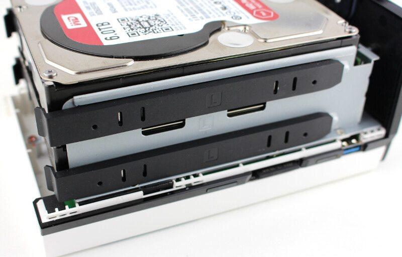 QNAP_TAS268-Photo-drives installed