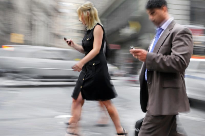 New Jersey Could See Texting While Walking Made Illegal