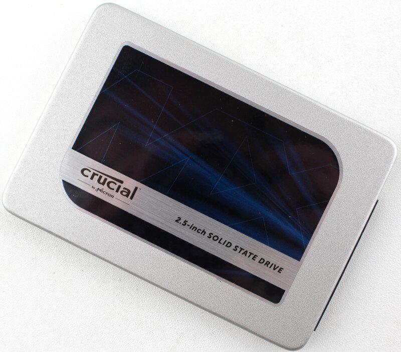Crucial_MX300-Photo-top angle