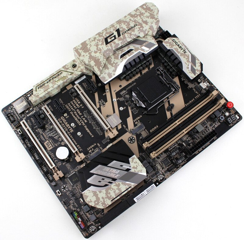 Gigabyte X170-Extreme ECC (Intel C236) Motherboard Review