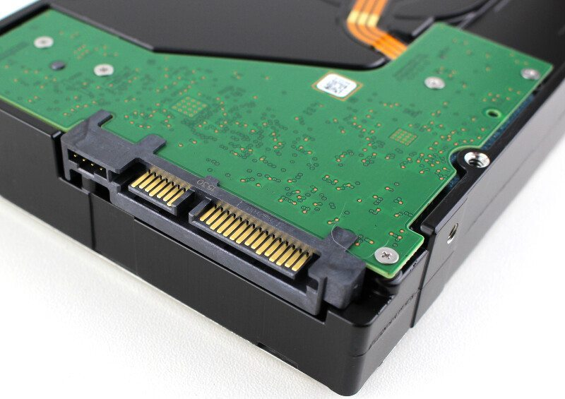 Seagate_NAS_8TB-Photo-connector