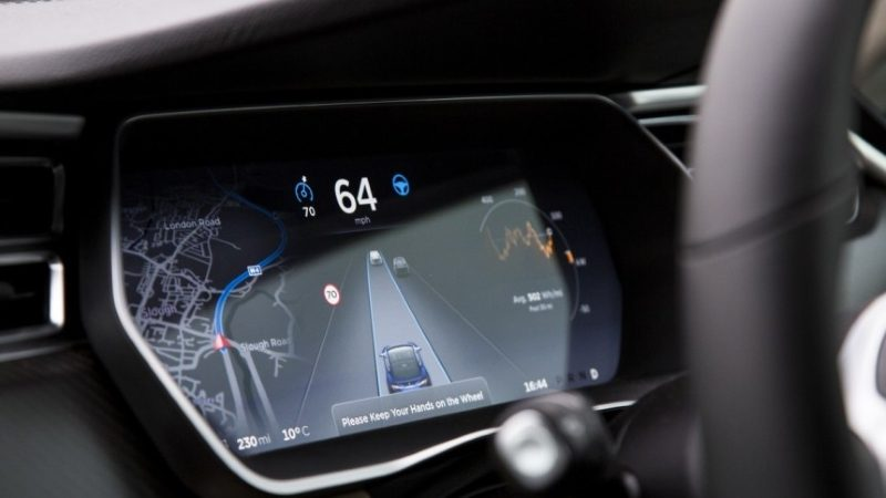 Tesla's Autopilot Called a 'Wannabe' by Volvo Autonomous Car