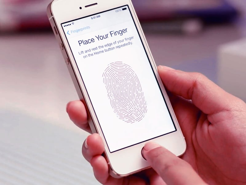 iPhone Unlocked By Fingerprint Because Of A Warrant From The LAPD