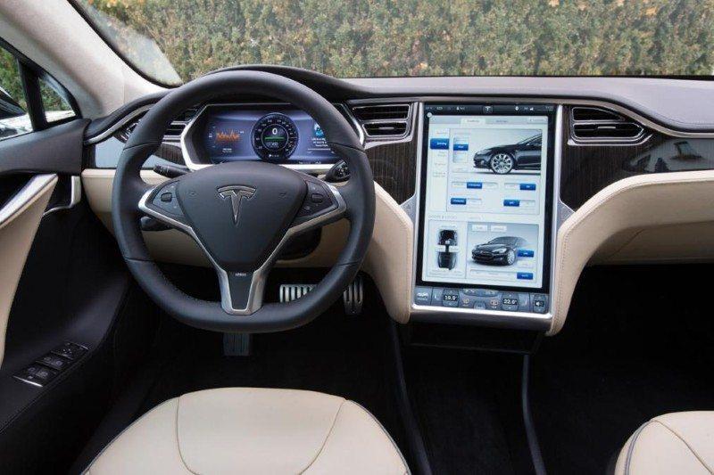 LG Producing Tesla Model 3's Huge Touchscreen