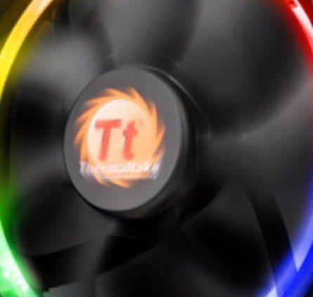Thermaltake Water 3 0 Riing RGB 240 AIO Cooler Review | eTeknix