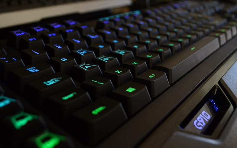 Logitech G910 Orion Spectrum RGB Mechanical Keyboard Review