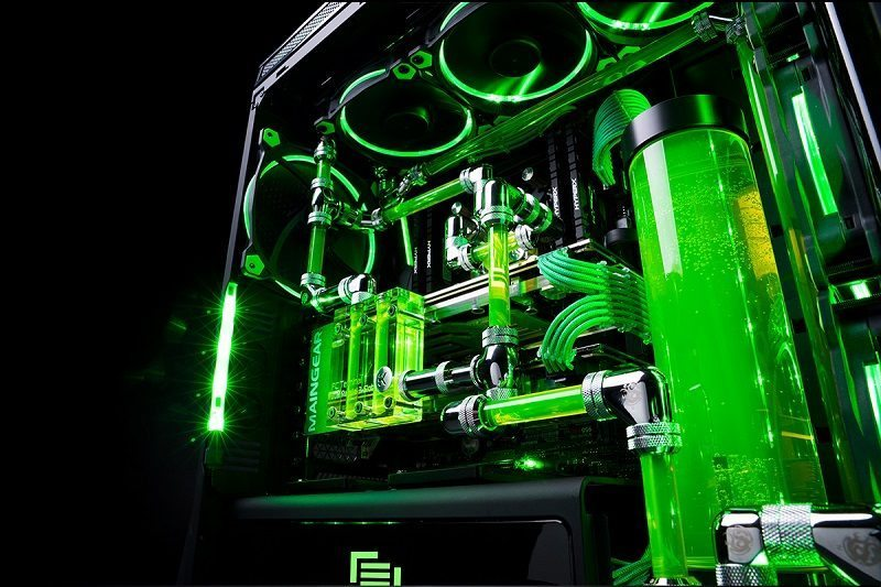 Razer and Maingear Collaborate on Monstrous Gaming PC | eTeknix