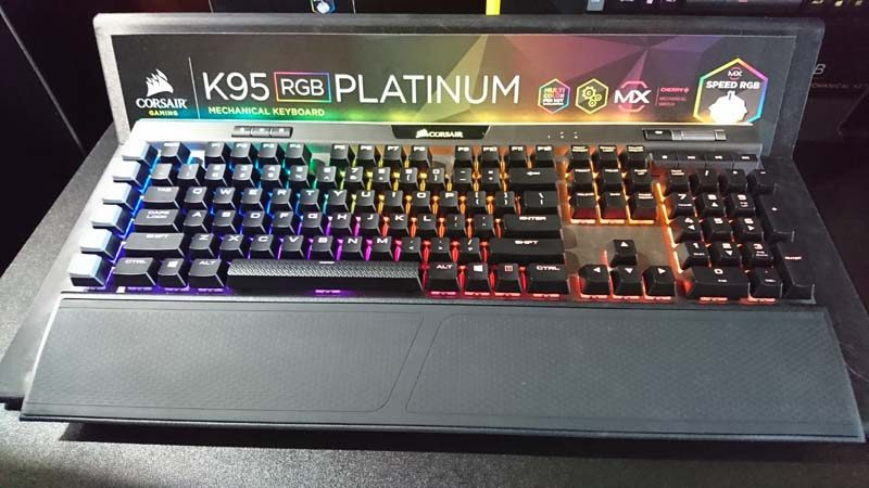 Corsair K95 RGB Platinum at CES 2017 | eTeknix