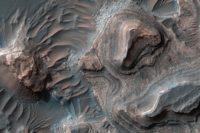 Filmmaker Creates Breathtaking Mars Fly-over Video from Satellite Photographs