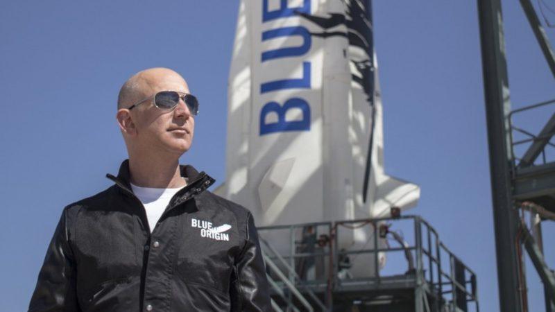 Amazon's Jeff Bezos to Race Elon Musk to the Moon