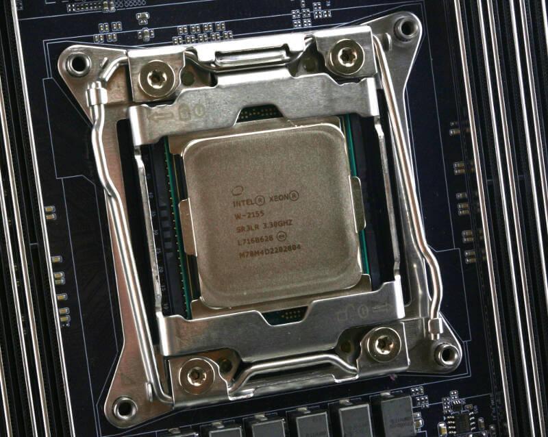 Gigabyte MW51-HP0 Photo closeup W-2155 CPU