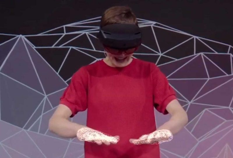 Microsoft Reveal HoloLens 2 With a Hefty Price Tag | eTeknix