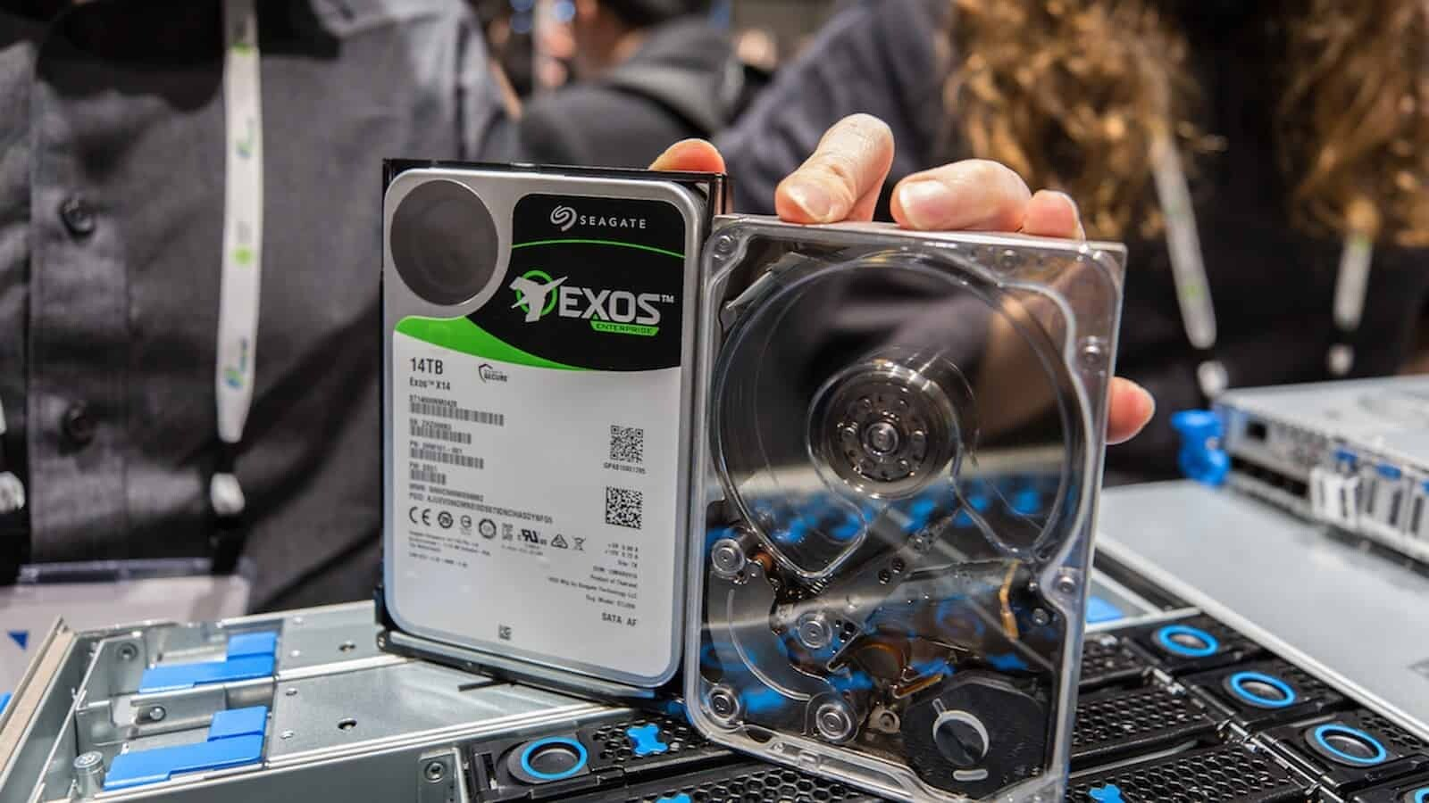 Seagate Reveals 524 MB/s Mach.2 Exos 2X14 HDD!